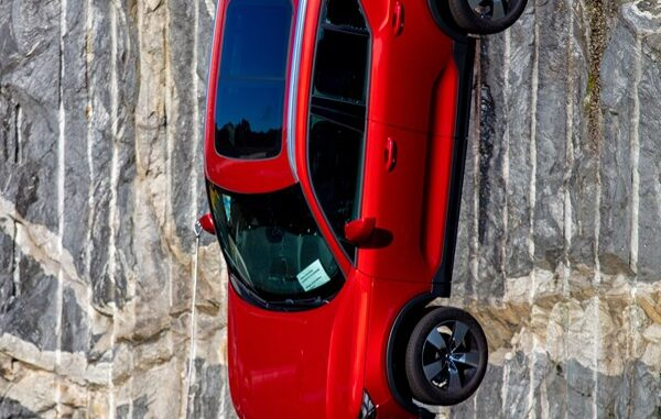 Crashtest bei Volvo: Autos aus 30 Meter Höhe