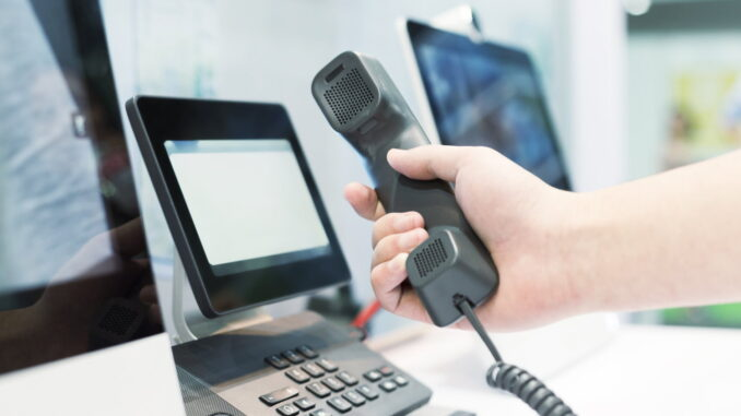 Warum Unternehmen gerade jetzt auf eine Cloud-Telefonanlage setzen sollten